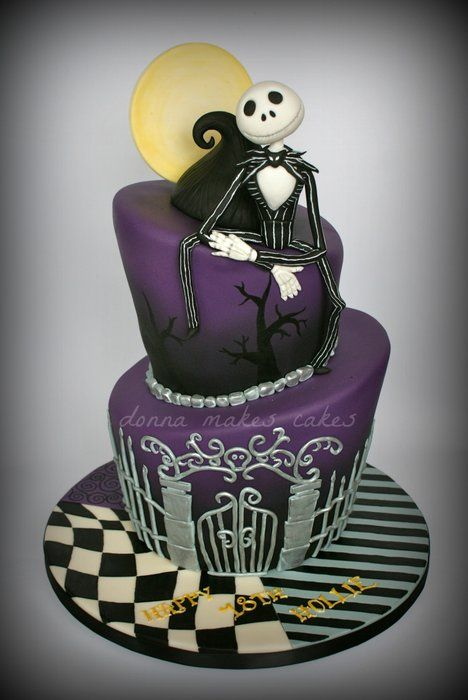 Nightmare Before Christmas Topsy Turvy Cake by DonnaMakesCakes (7/3/2012) View cake details here: http://cakesdecor.com/cakes/20376