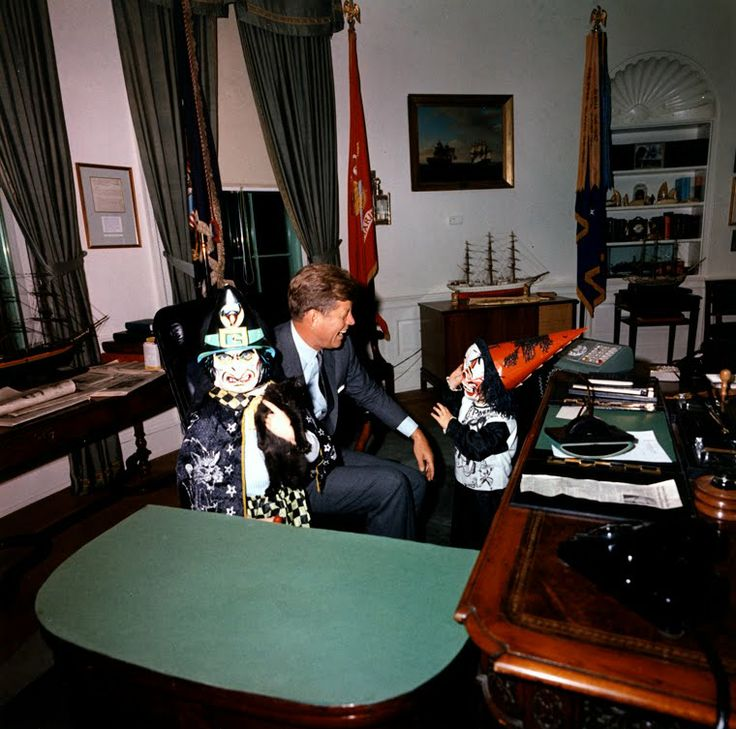 88 best KENNEDYS OVAL OFFICE images on Pinterest Oval office