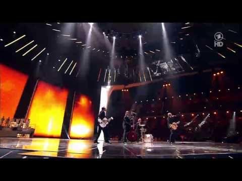 ESC Opening / Eröffnung - Eurovision 2011 // Satellite Raab feat. Lena & 42 Lena-Doubles - YouTube