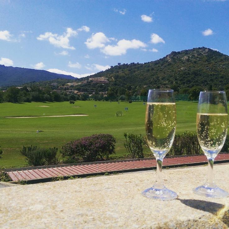 Is Molas Resort vi augura una buona Pasqua! #golf  #wedding #holidays #easter