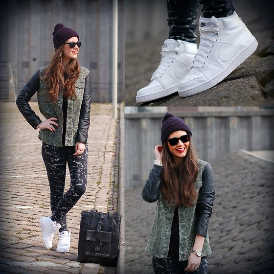 Nike BlackBoard II by FashionistaChloe (by Chloë Sterk) http://lookbook.nu/look/4745585-Nike-BlackBoard-II-by-FashionistaChloe