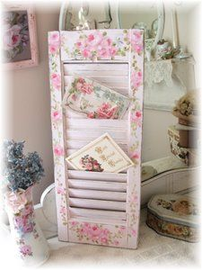 Cute idea to use a shutter as a card/letter/magazine holder and paint it shabby