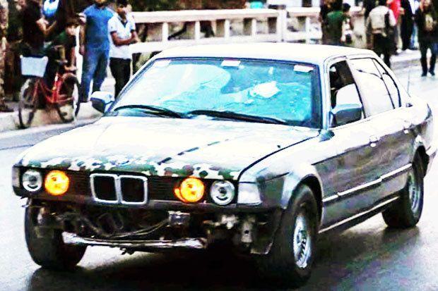 O militar Ako Abdulrahman, usou seu carro blindado, uma BMW modelo dos anos 1960, para salvar 70 pessoas de um ataque do Estado Islâmico (ISIS), de acordo com matéria da CNN