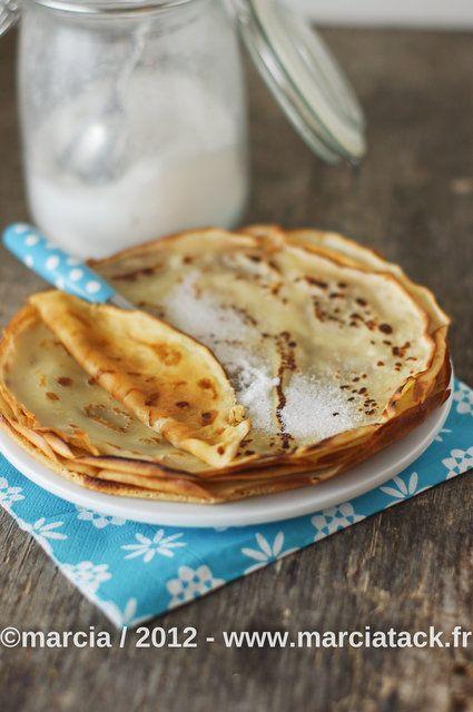 Crêpes légères sans oeuf - Recette - Marcia Tack 250g de farine  ½litre de lait  2 cs d'huile d'olive  1 pincée de sel