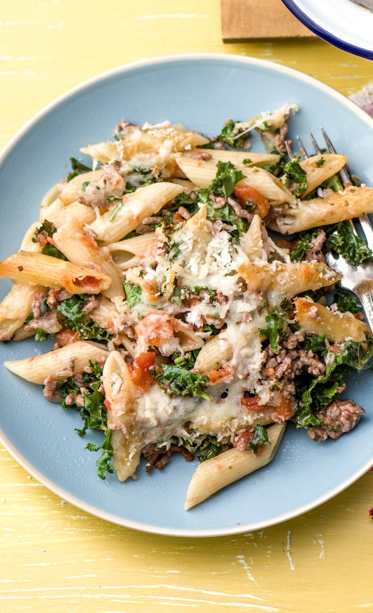 We've taken your lasagna recipe and deconstructed it! This baked fusilli pasta recipe with kale and mozzarella cheese is an easy crowd pleaser. Get $25 off your first HelloFresh box now with code HELLOPINTEREST.
