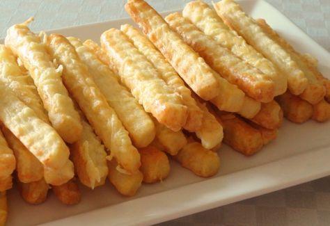 Egyszerű sajtos rudak recept képpel. Hozzávalók és az elkészítés részletes leírása. Az egyszerű sajtos rudak elkészítési ideje: 35 perc