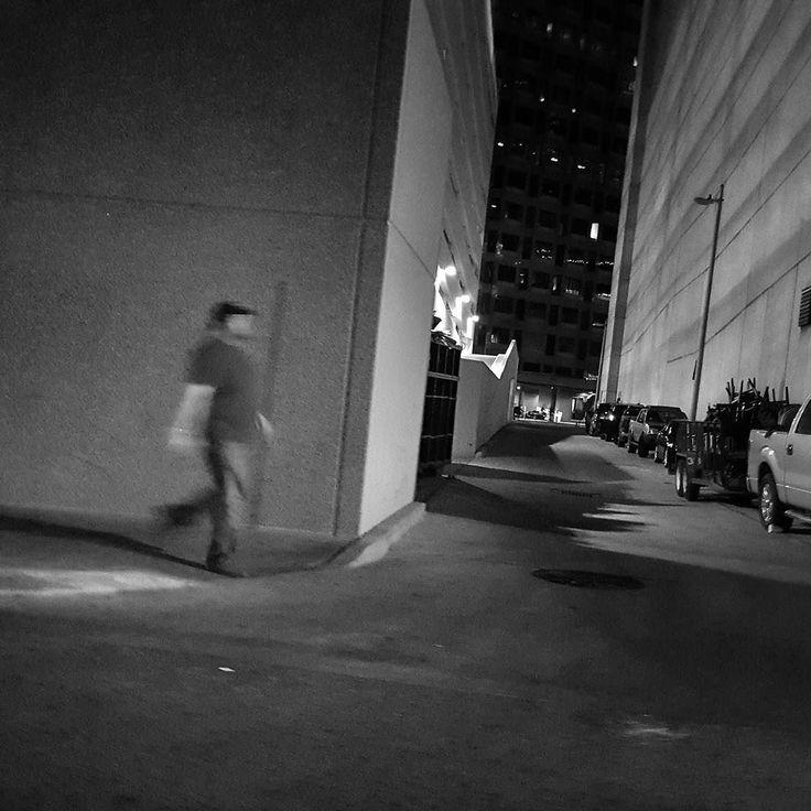 I couldn't find anything to write. / Yazacak bir şey bulamadım.  #austin #sxsw2016 #sxswmusic #sxswinteractive #sxswfilm #sxsw #texas #streetphotography #usa #abd  #teksas #southbysouthwest #street #streetphoto_bw #streetphoto #grammasters3 #streetleaks #blackandwhite #negroyblanco by canberkulusan
