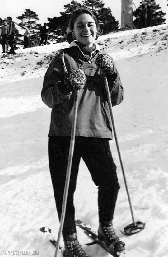 vintage ski fashion style knit mittens anorak girl