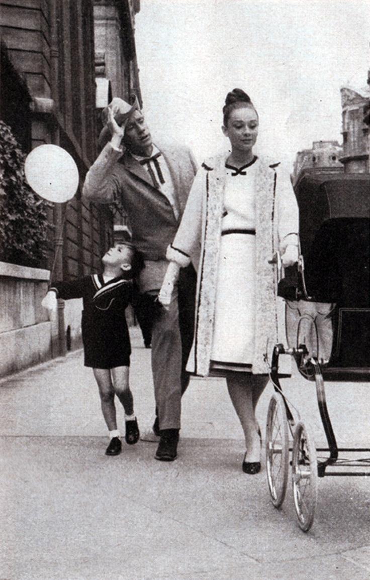 Audrey Hepburn, 1959 (with Mel Ferrer & son, Sean)