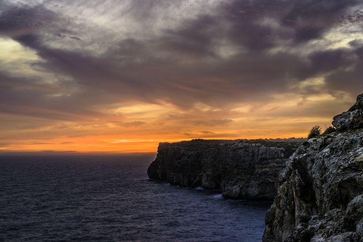 https://flic.kr/p/HDMRF8 | From Cova d'en Xoroi | 160416-6540-jikatu | Menorca, España.  Camera: NIKON D800E Lens: Zeiss Otus 1.4/55 ZF.2 Focal Length: 55 mm Exposure: 1.0 sec at f/16 ISO: 100