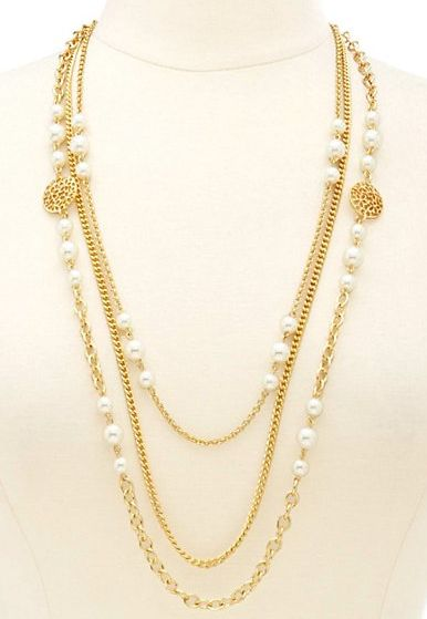 SWEET new deal for those of you who love to accessorize. Buy one piece of jewelry at Charlotte Russe and get one FREE!! The average price is only $6!!! You are getting 2 items for $6!!!  Details: http://www.coupondad.net/charlotte-russe-promo-code/ ‎  #bogo #fridayfreebie