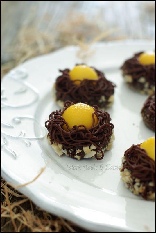 Nids biscuités au cacao chocolat mangue mini dessert gourmand pour fêter Pâques