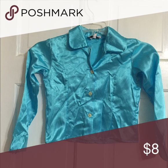 Silva Cirri girls turquoise shirt sz 6 NWT Really pretty button front turquoise shirt in size 6 NWT. Boutique brand. silvana Cirri Shirts & Tops Blouses