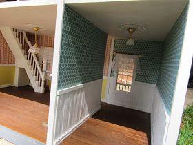 Para finalizar, os detalhes é que fazem a diferença.  Acabamento de madeira branca em várias partes externas da casa, rodapé, roda-meio, lum...
