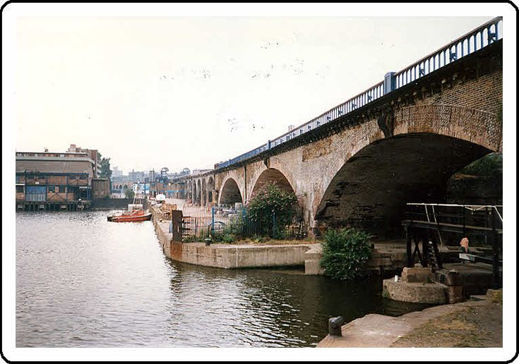 Poplar Dockside and the Limehouse Viaduct on 14 July 1987. The area today is know as Limehouse Marina. We often feed the ducks there.