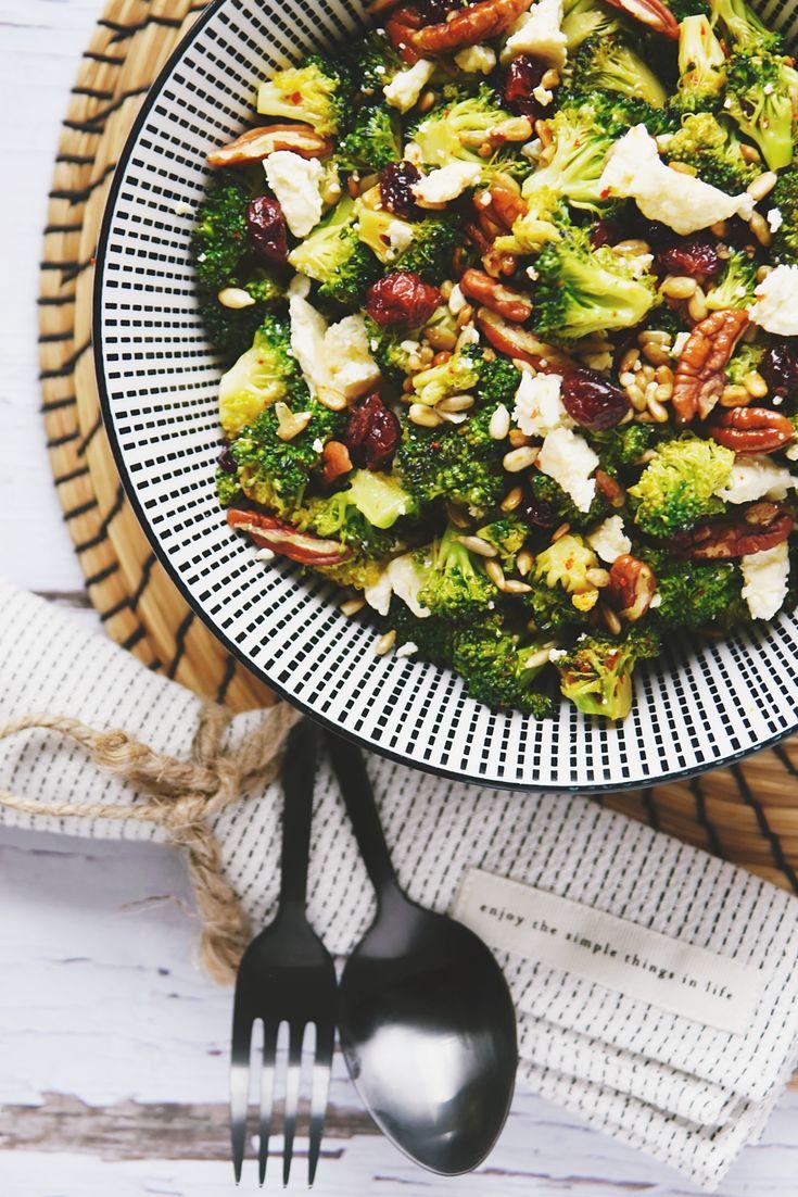 Rezept für Brokkoli-Salat mit Cranberries & Nüssen