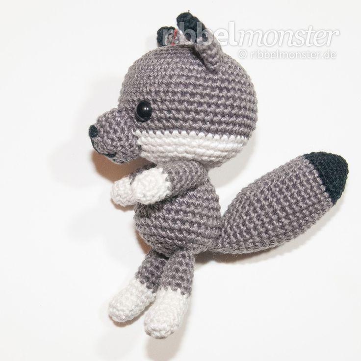 24 best Little crochet wolves images on Pinterest | Crochet animals ...