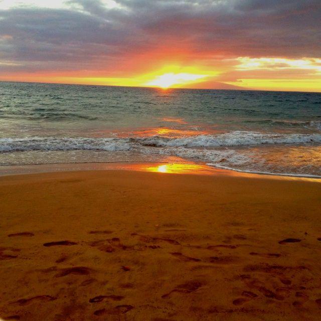 Sunset on the beach | Scenes of Hawaii
