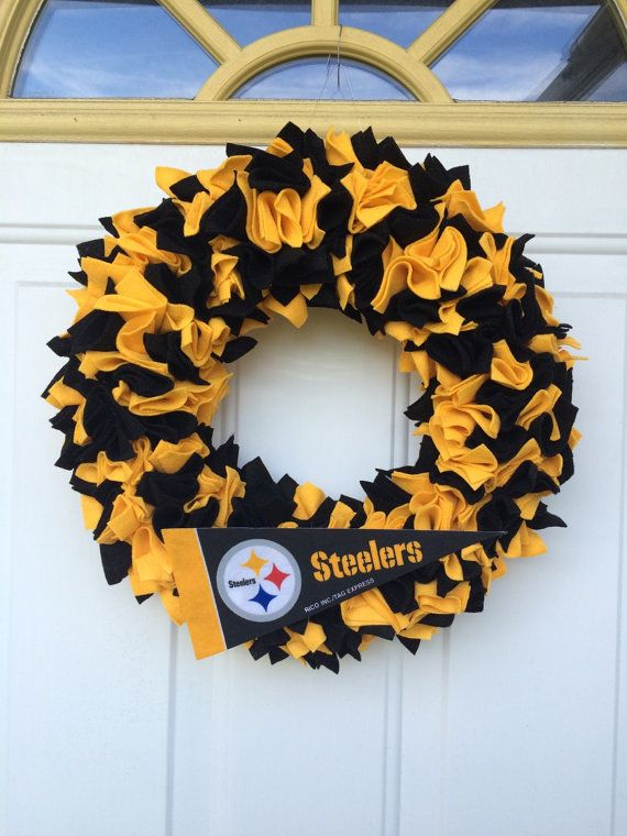 Pittsburgh Steelers Inspired Wreath by MJsCrochetCreations on Etsy