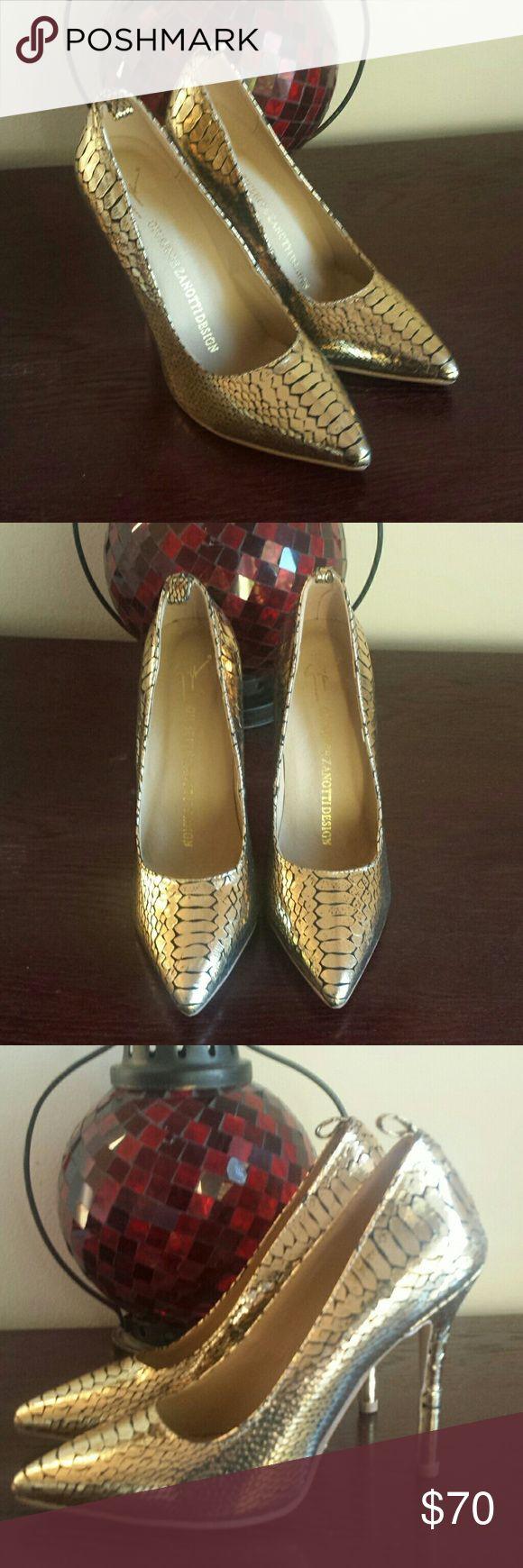GIUSEPPE ZANOTTI DESIGN GOLD HEELS SHOE 7.5 Worn twice. Amazing heels. Giuseppe Zanotti Shoes Heels