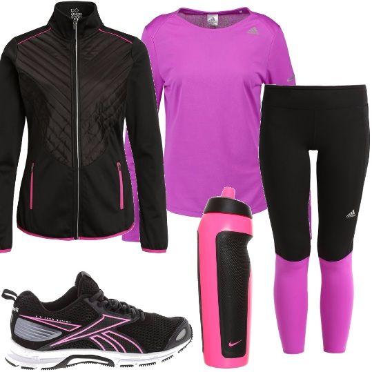 Pantalone da running bicolore, maglia a maniche lunghe in tessuto tecnico, giacca da corsa con cerniera e profili a contrasto, scarpetta con suola in gomma e logo rosa, borraccia rosa e nera.