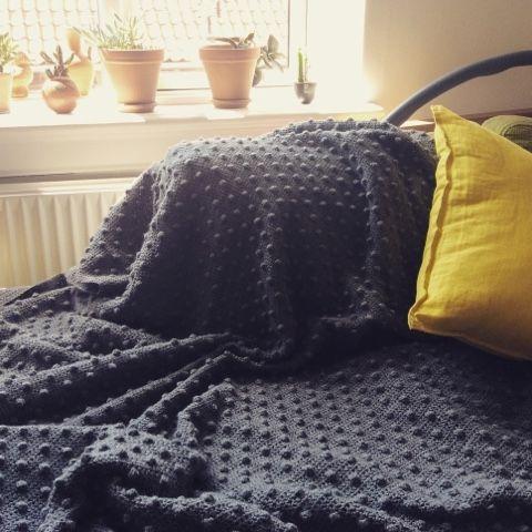 Minimal Boho: Crochet blanket. Finally!