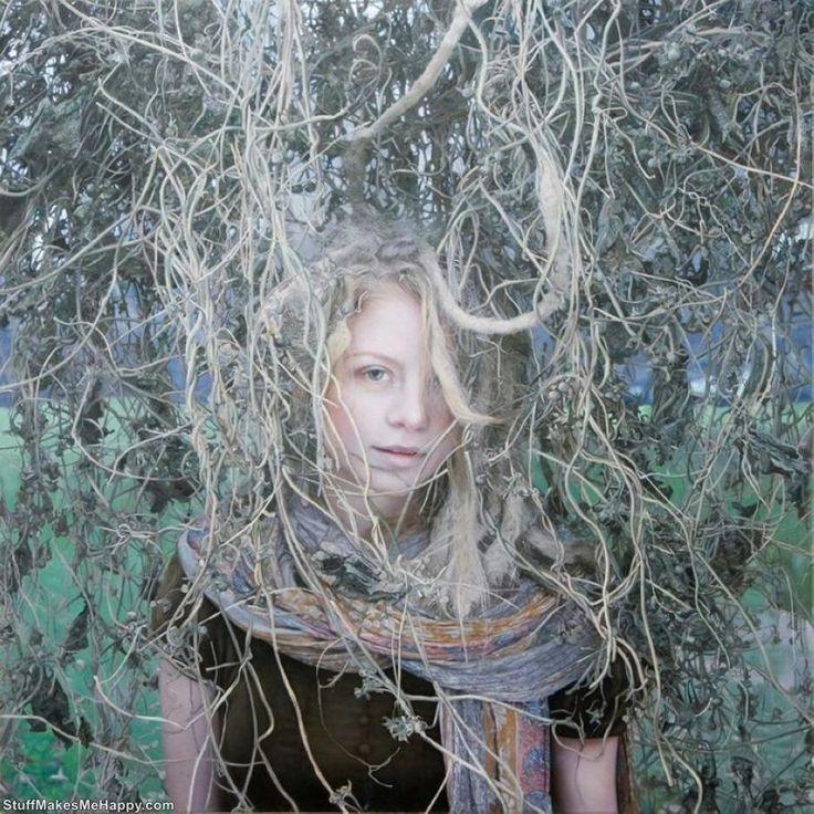 Oil+Paintings+-+Marvelous+Hyper-Realistic+Female+Portraits+by+Yigal+Ozeri+%2816%29.jpg (908×908)