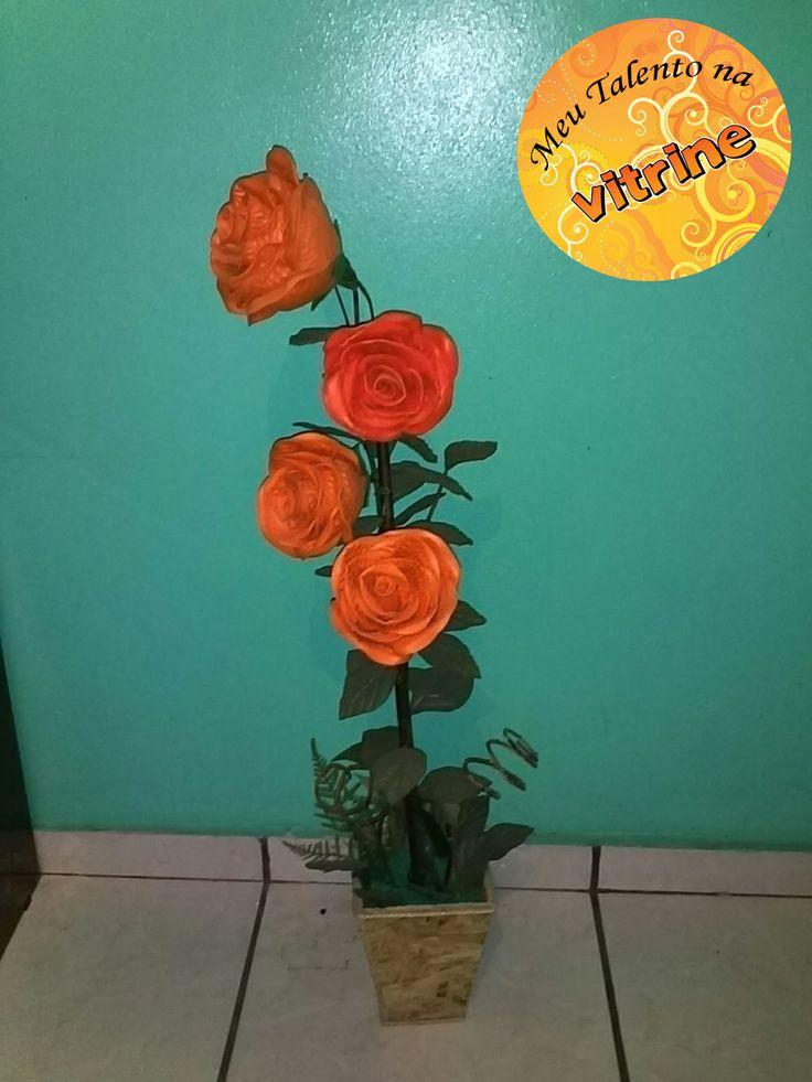 Vaso de Flor!  Artesã: Maria do Livramento Oliveira   Email: mailto:jo22chaves@hotmail.com Tel: (11) 4338-8247 / 97047-8003