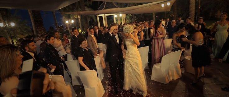Os invitamos a compartir una boda muy especial, llena de sonrisas de amor, rodeadas del cariño de amigos y familia. Todos participaron creando momentos inolvidables en esta boda con guiños cinetatográficos…