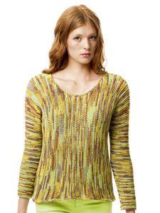 Uit de Fatto a Mano Color nr. 204 van Lang yarns is deze in de Serraina mijn favoriet.  Ik hou van de verticale streepjes, maar vooral van de trui-in-1-stuk gebreid.