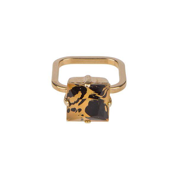 Special ring from #Cadenzza l #DesignerOutletParndorf #mywishlistforstyleandblog