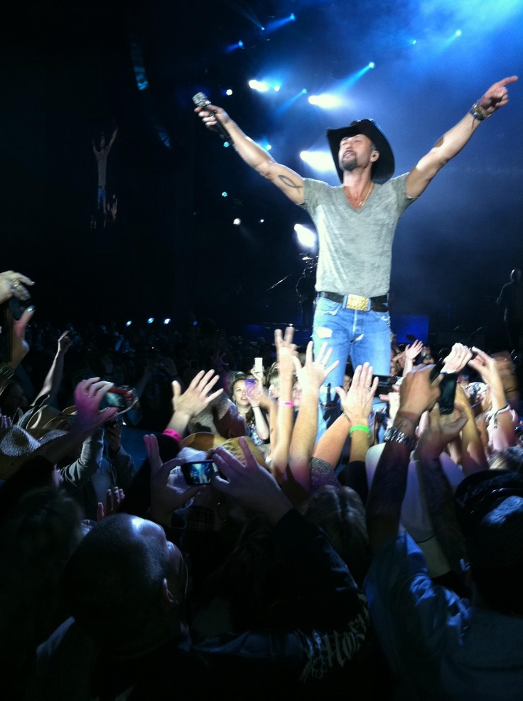 Tim McGraw always puts on a great show! (: