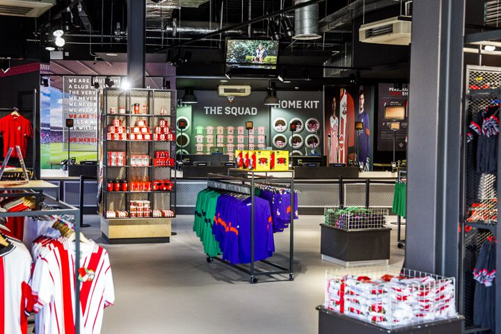 32 best images about sport outdoor store on pinterest for Green room retail design