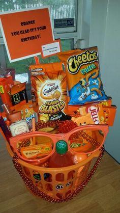 Favorite Color Theme | DIY Christmas Baskets for Teens