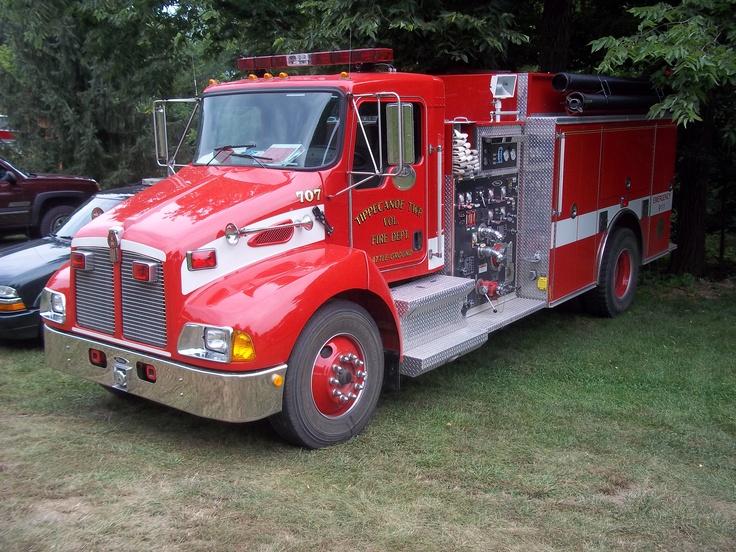 Red Kenworth fire truck Fire trucks, Fire trucks