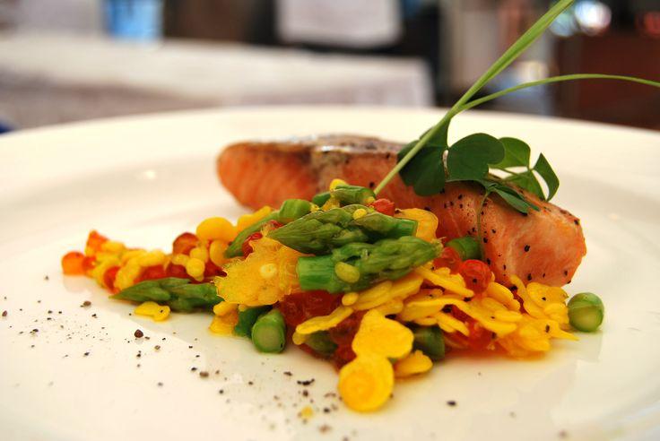 Pan Searedd Salmon, Salmon Roe by Chef Sugeng - Bali Safari & Marine Park. Silver Medal at Nusa Fiesta 2010
