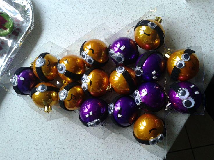 Minion karácsonyfadíszek