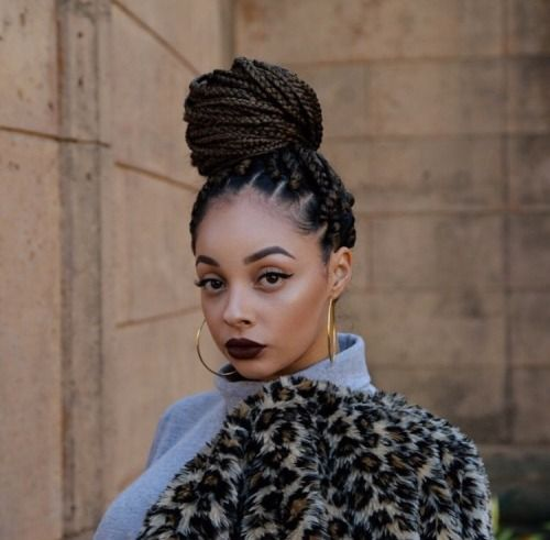 thefineststyle:bombshellssonly:@taysadoll  I really like this aesthetic. The high bun, dark lips, gold hoops look