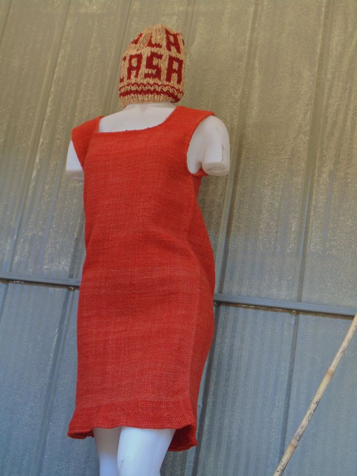 "Textiles mapuche, fieltro y otros. #SemillaLibre #ProductoNatural #campesino #artemapuche #artesania #mapuche #feria #local  ---- ""FERIA WE NEWEN"" Padre Las Casas, Araucanía. Chile"