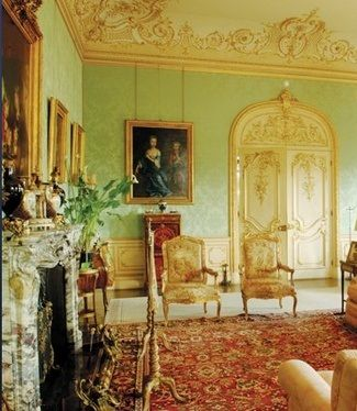 Downton Abbey drawing room - always wanted something like this. I want a room that came straight out of a Jane Austen novel.