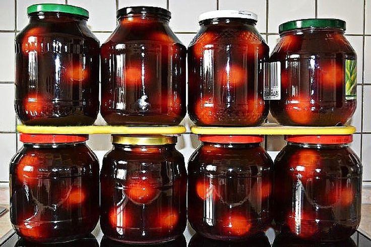 Помидоры маринованные со свеклой,======================================== Для одной порции понадобятся: помидоры - 1,2 кг, небольшие свеклы - 2 шт.,морковь среднего размера - 1 шт.,чеснок - 4 зубчика, острый перец - 1/3 стручка, зелень по вкусу - 3-4 веточки. Для маринада: вода - 1 л., соль - 1 ст. л., сахар - 2 ст. л., уксусная эссенция - 1 ч. л. Сначала надо вымыть помидоры, на каждом плоде у плодоножки сделать вилкой или деревянной шпажкой 2 прокола. Сложить помидоры в миску, залить…