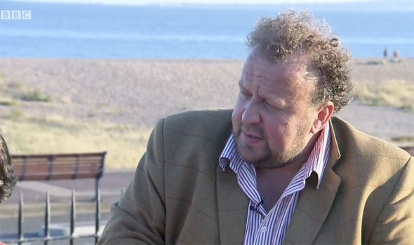 Antiques Road Trip expert James Lewis PULLS OUT of final auction in SHOCK move - http://buzznews.co.uk/antiques-road-trip-expert-james-lewis-pulls-out-of-final-auction-in-shock-move -