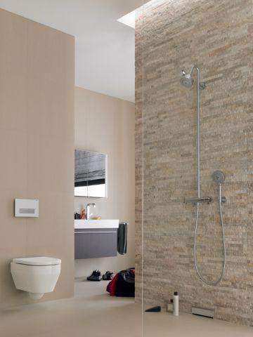 Une douche naturelle aux tons nude - Douche à l'italienne