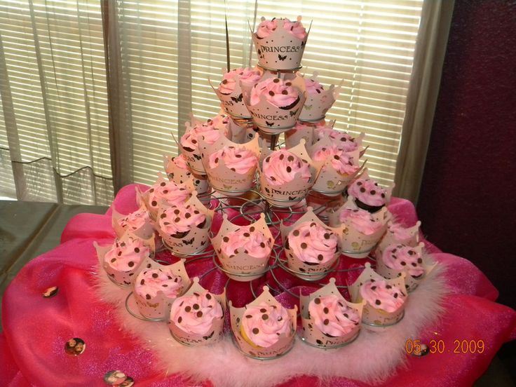 Find This Pin And More On Baby Shower Ideas By 713cece. Cupcakes