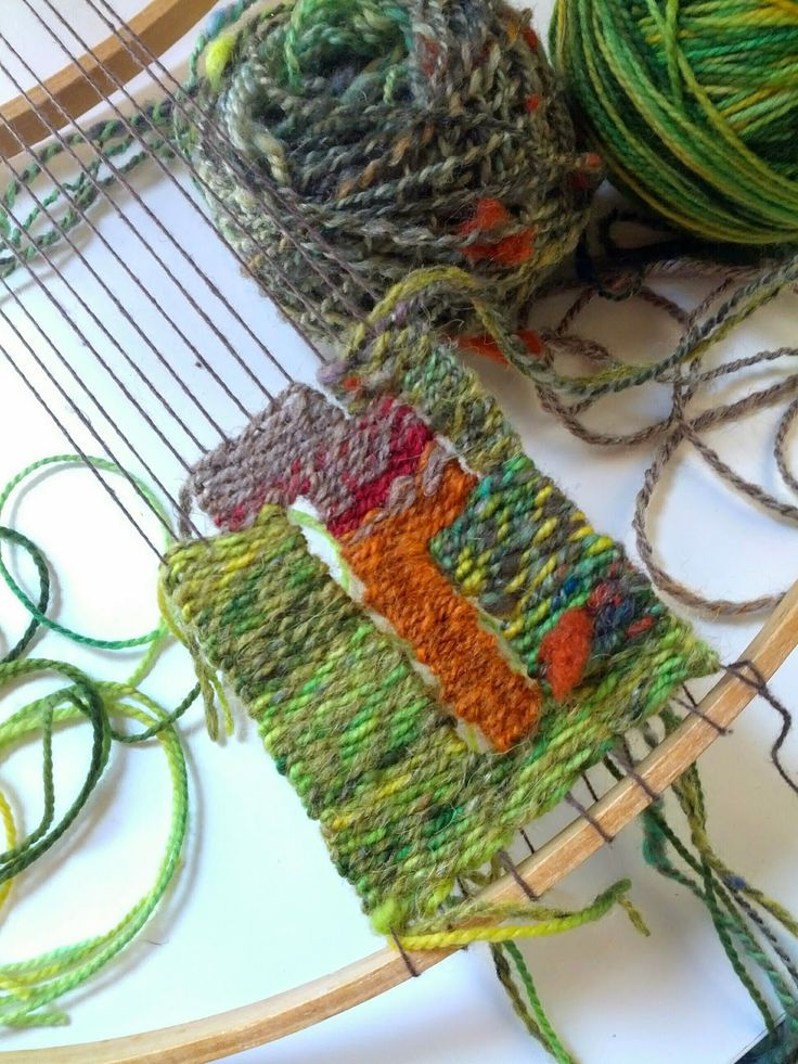 Weaving on embroidery hoops. craftophilia: PROCESS NOTES - On Circular Weaving