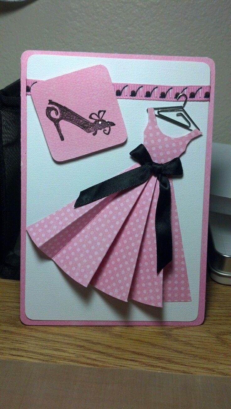 Estas bellas tarjetas con forma de vestido, son perfectas para usarse como invitaciones de XV años o despedidas de soltera. Son realmente f...