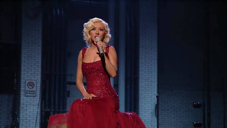 Christina Aguilera - Hurt  (Live) HD HQ ... I think the best live version of this song....