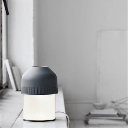 Volume bordlampe fra Lightyears er super lækkert design. Lightyears - Volume #lampe #design #kontor #bordlampe #arbejdslampe #hygge #nyhed #2016