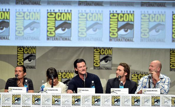 Lee Pace Photos Photos - (L-R) Actors Orlando Bloom, Evangeline Lilly, Luke Evans, Lee Pace, and Graham McTavish attend the Legendary Pictures preview and panel during Comic-Con International 2014 at San Diego Convention Center on July 26, 2014 in San Diego, California. - Legendary Pictures Preview And Panel - Comic-Con International 2014