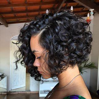 Este é o corte que você precisa para valorizar os cachos até dizer chega. | 14 inspirações para cortar o cabelo curto já